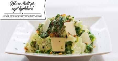 Bilde av brokkolisalat med aspargesbønner.